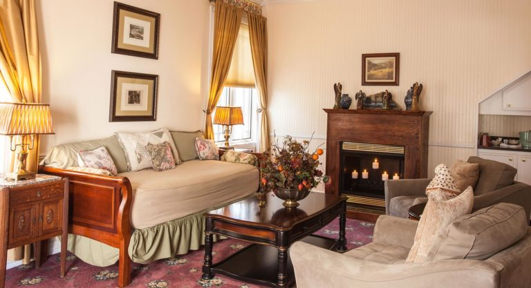 carriage house room